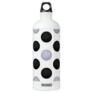 黒くおよび灰色/銀製のバスケットボールパターン ウォーターボトル