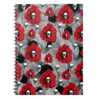 黒くおよび赤いスカルのケシの水玉模様 ノートブック