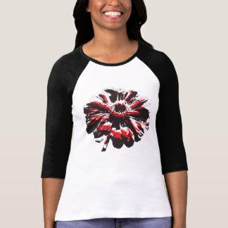 黒くおよび赤い《植物》百日草 Tシャツ