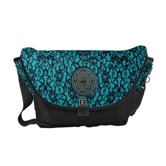 黒くおよび青のケルト結び目模様が付いている青の黒いレース メッセンジャーバッグ