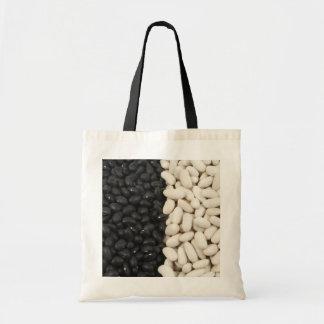 黒くか白い豆バッグ トートバッグ