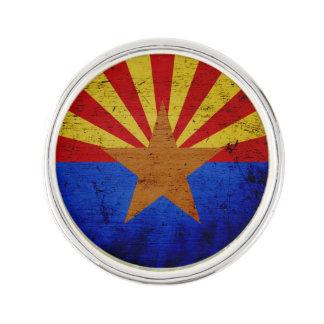 黒くグランジなアリゾナの州の旗 ラペルピン