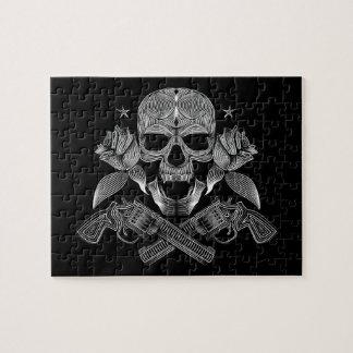 黒く及び白いスカルおよび銃 ジグソーパズル
