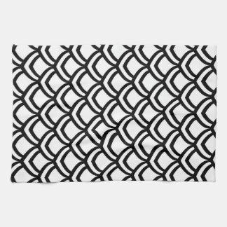 黒く及び白いスケールパターン キッチンタオル
