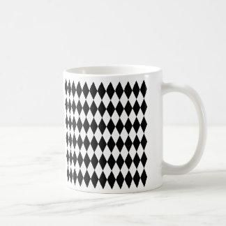 黒く及び白いダイヤモンドの道化師パターン コーヒーマグカップ