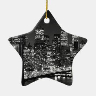 黒く及び白いニューヨークシティ セラミックオーナメント