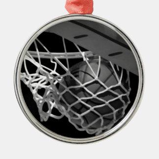 黒く及び白いバスケットボール メタルオーナメント