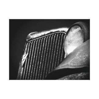 黒く及び白いヴィンテージ車のグリル キャンバスプリント