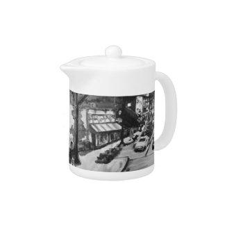 黒く及び白い悔しさの滝、オハイオ州の絵画の茶ポット