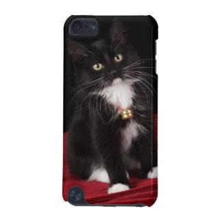 黒く及び白い短い髪の子ネコ、2かの1/2月 iPod TOUCH 5G ケース