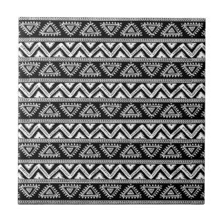 黒く及び白い種族の幾何学的なパターン タイル