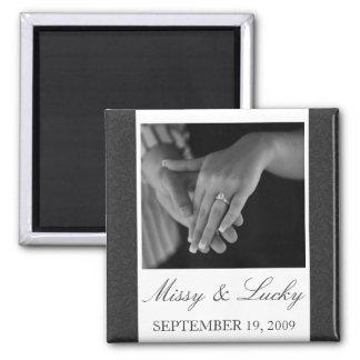 黒く及び白い線条細工の保存日付の磁石 マグネット