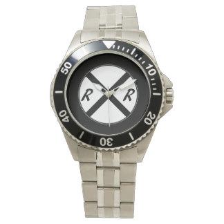 黒く及び白い鉄道印の腕時計 腕時計