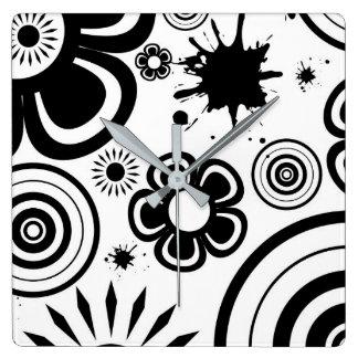 黒く及び白くお洒落な花、円、(ばちゃばちゃ)跳ねる スクエア壁時計
