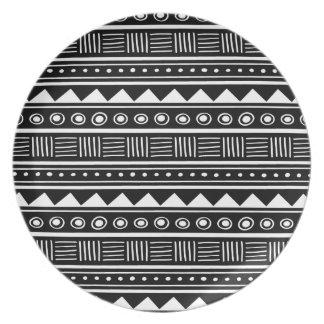 黒く及び白くアステカな種族パターン プレート
