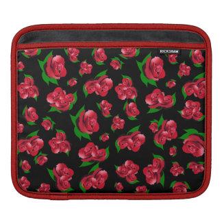 黒く及び赤いバラパターンipadの場合 iPadスリーブ