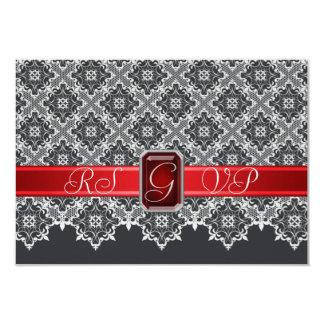 黒く及び赤いレースによって宝石で飾られるRSVPの招待状 カード