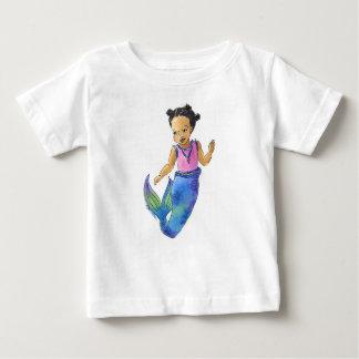 黒く小さい人魚の幼児のTシャツ ベビーTシャツ