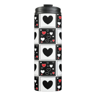 黒く赤く白いハートのパターン(の模様が)あるなタンブラー タンブラー