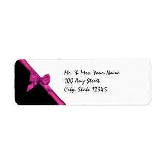黒く、ピンクのサテンリボン ラベル