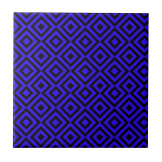 黒く、濃紺の正方形001パターン タイル