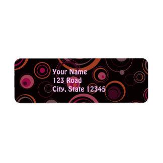 黒く、紫色およびピンクのよくはしゃぐなレトロの円 ラベル