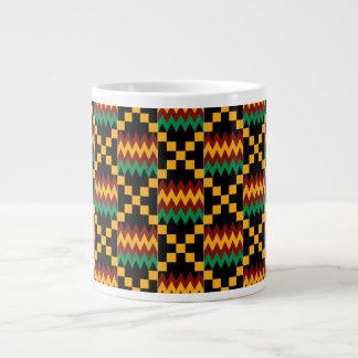 黒く、緑、赤く、黄色のKenteの布パターン ジャンボコーヒーマグカップ