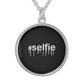 黒で熱狂するHashtag Selfie スターリングシルバーネックレス