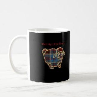 黒のタータンチェックのヒツジ コーヒーマグカップ
