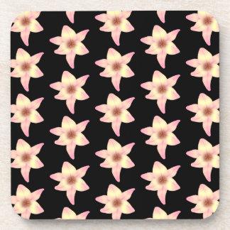 黒のユリの花のパターン コースター