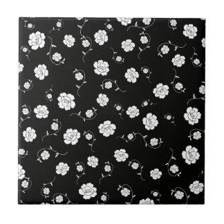 黒の白い花 タイル