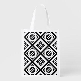黒の白の等号の幾何学的なパターン エコバッグ