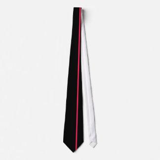 黒の素晴らしく赤く薄い垂直線 ネックウェアー