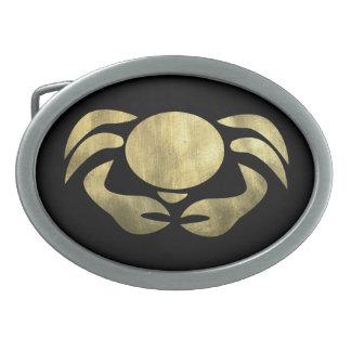 黒の素朴な金ゴールドの蟹座のカニ 卵形バックル