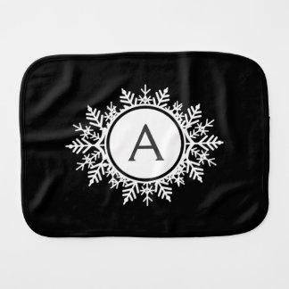 黒の華美で白い雪片のモノグラム バープクロス