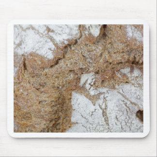 黒パンの表面のマクロ写真 マウスパッド