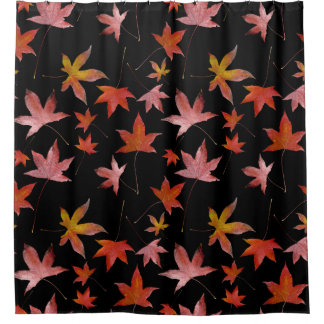 黒上の死んだ葉 シャワーカーテン