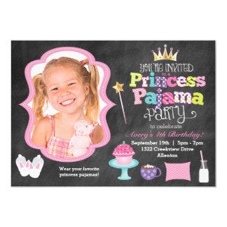 黒板のプリンセスのパジャマ・パーティーの写真の招待状 カード
