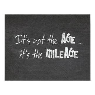 黒板のユーモアのあるな老齢期の引用文 カード