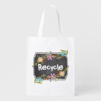 黒板の真新しいピンクの水の花の花輪のリサイクル エコバッグ