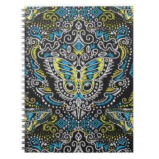 黒板の線条細工の蝶螺線形ノート ノートブック