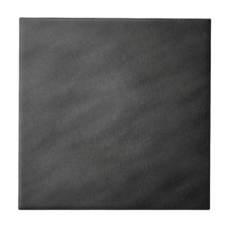 黒板の背景の灰色の黒い黒板のブランク タイル