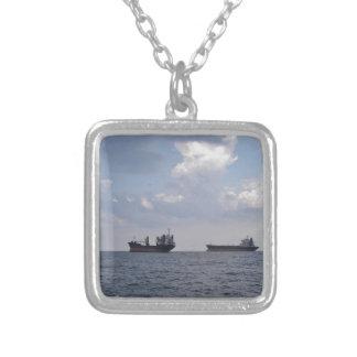 黒海の出荷 シルバープレートネックレス