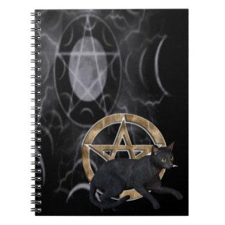 黒猫が付いているウィッカ信者の星形五角形 ノートブック