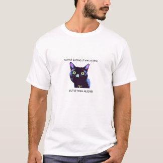 黒猫のエイリアンのTシャツ Tシャツ