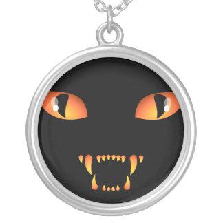 黒猫のネックレスのハロウィン猫の宝石類 シルバープレートネックレス