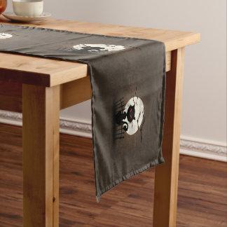 黒猫の愚か者の銀の月およびこうもり ミディアムテーブルランナー