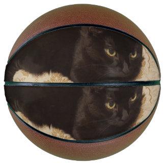 黒猫Roxie バスケットボール