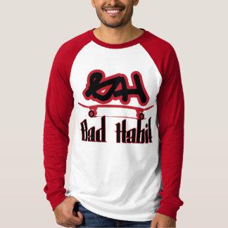黒赤い悪い習慣Sk8 Tシャツ