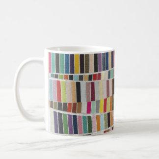 黙した多彩な材料見本 コーヒーマグカップ